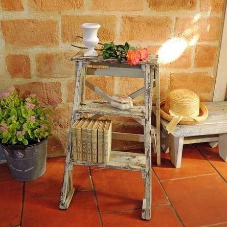 Top dcoration dtourn pour cet ancien escabeau pliant en bois patine shabby chic with tabouret - Tabouret escabeau pliant bois ...