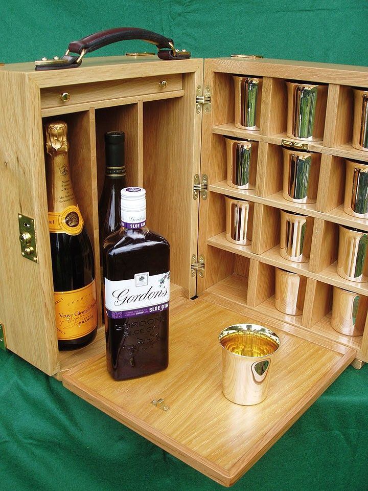 Best Oliver Brown Box Designed By Museum Cabinet Makers 640 x 480