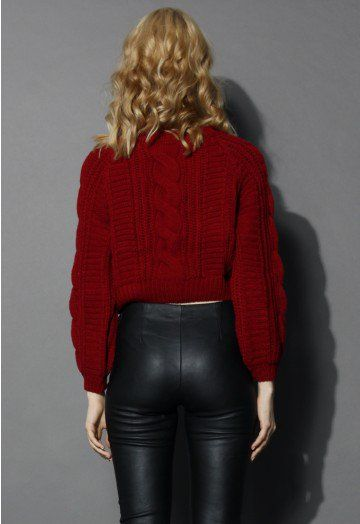 Confeccionado con tricotado de patrón de cable - Escote redondo ...