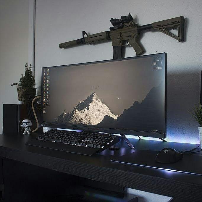 battlestation 3 0 every guy needs a gaming room pinterest schreibtisch buero und ideen. Black Bedroom Furniture Sets. Home Design Ideas