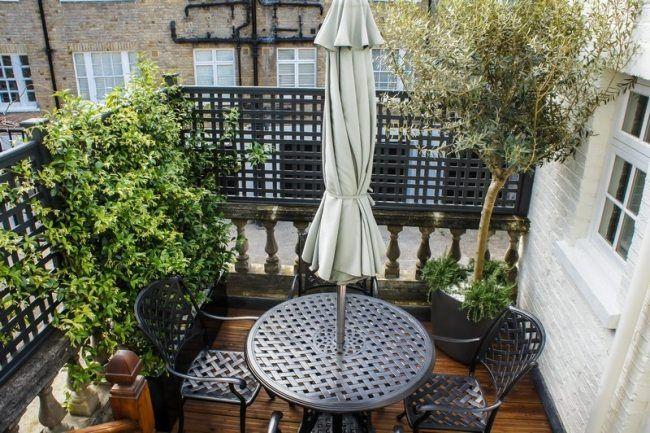 Kleiner Balkon Sichtschutz Tisch Mit Integriertem Sonnenschirm