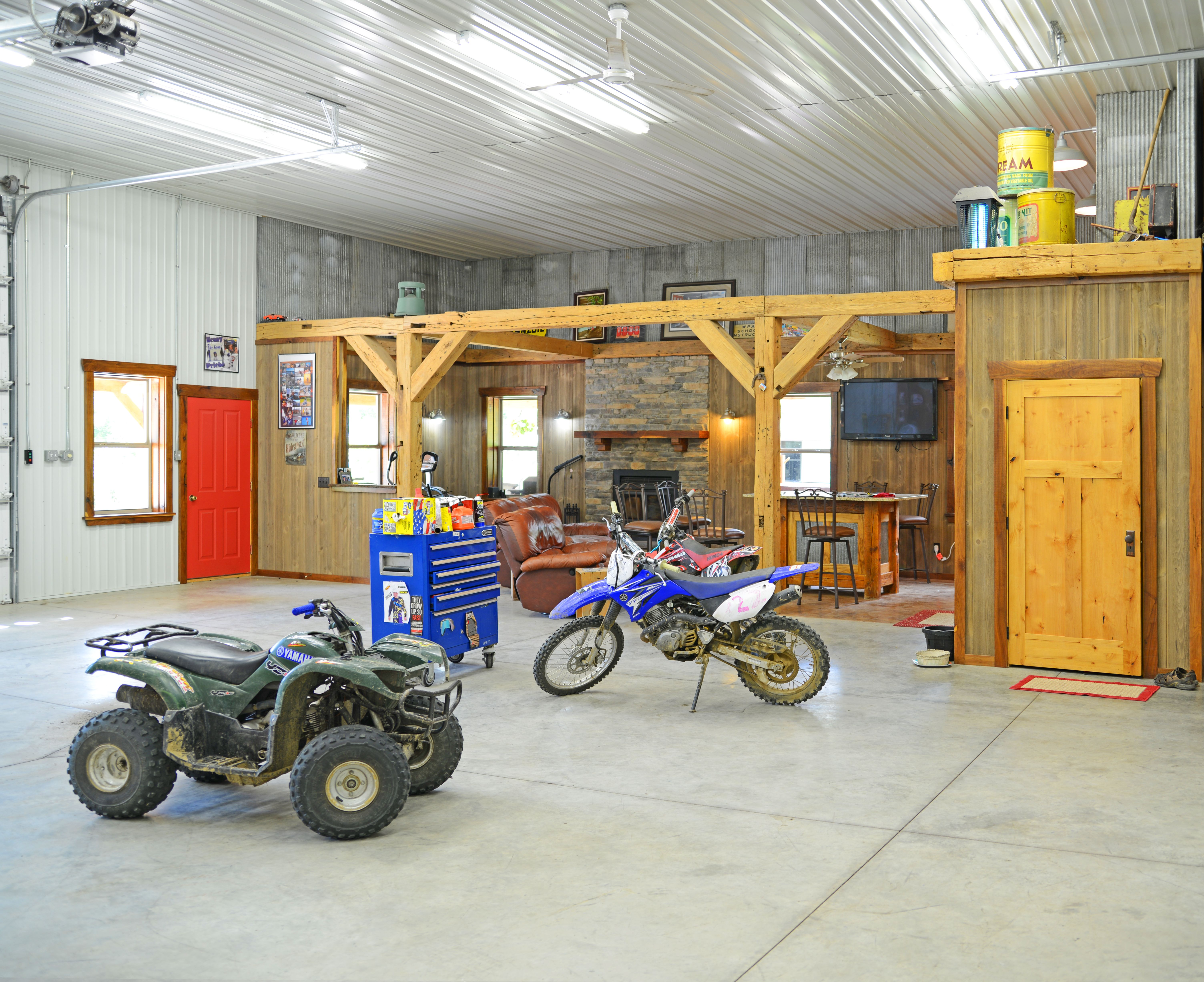 Pole Barn Interior Ideas Pole Barn House Plans Barn Interior
