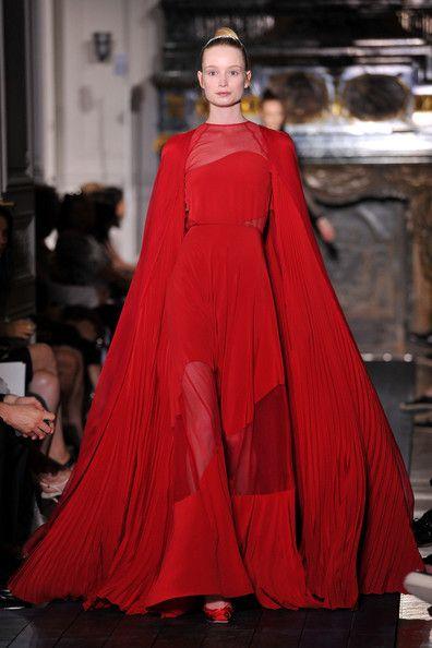 Movement Haute Couture Fashion Fashion Beautiful Red Dresses