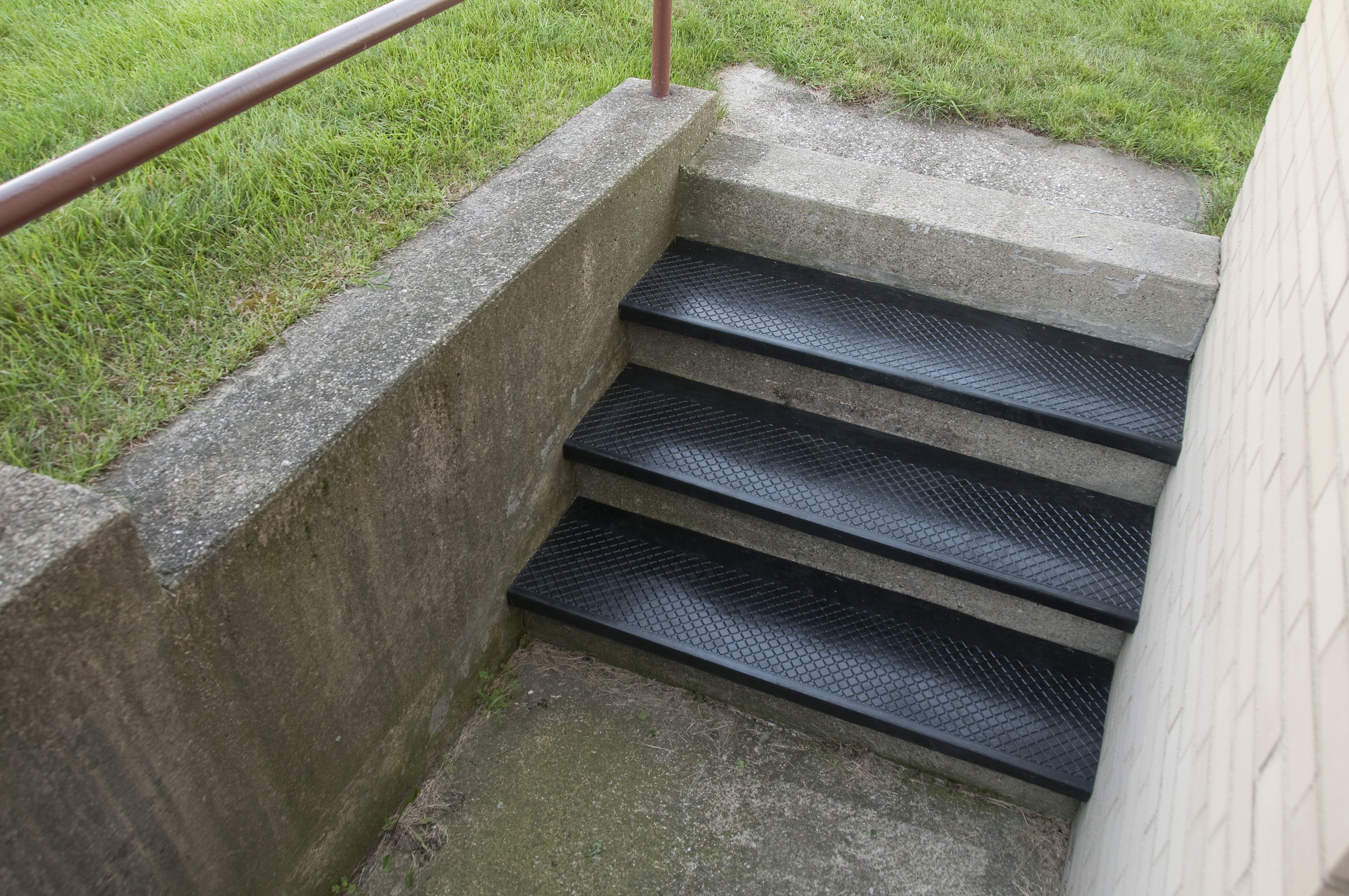 Outside Stairs Outdoor Rubber Stair Treads Are Excellent For Slippery