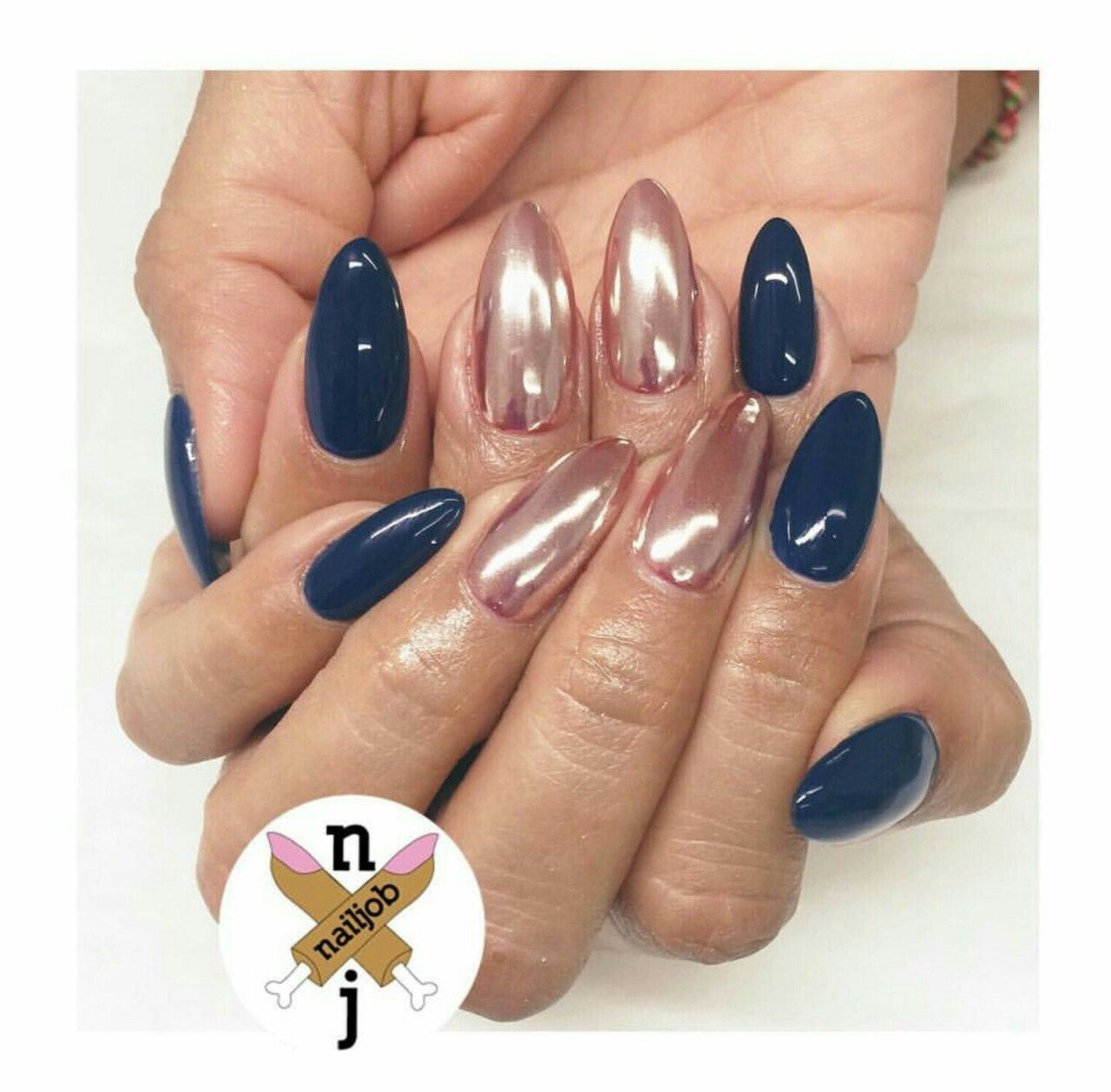 Nails, Nails, Nails — NAVY + ROSE GOLD CHROME 😍👌 | Nägel ...