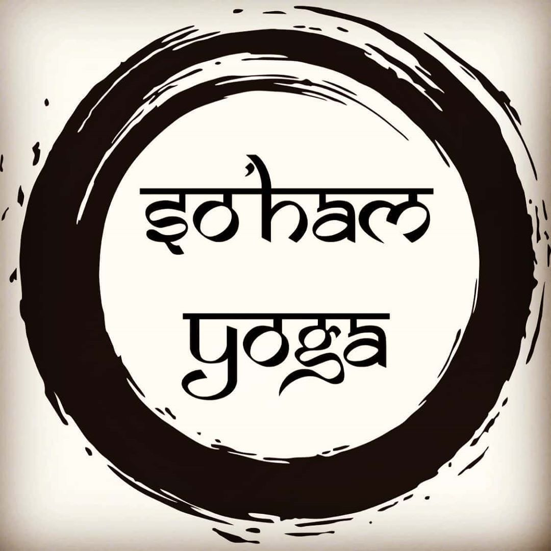 Shhh.... something special is coming! . . . . . . . . . #yoga #yogaposes #yogalove #yogalife #love #...