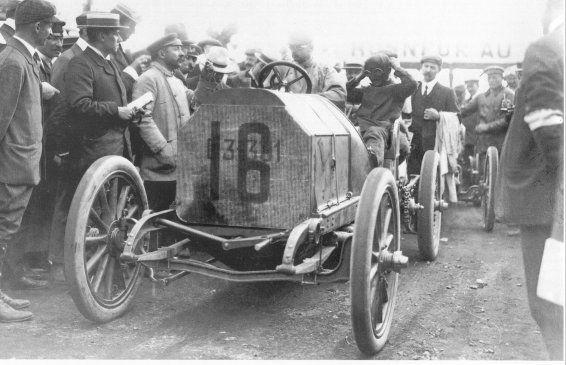 FIAT_100-10HP-1905.jpg (48661 octets)