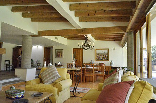 Hv161 impactante arquitectura mexicana contemporanea for Casa clasica moderna interiores