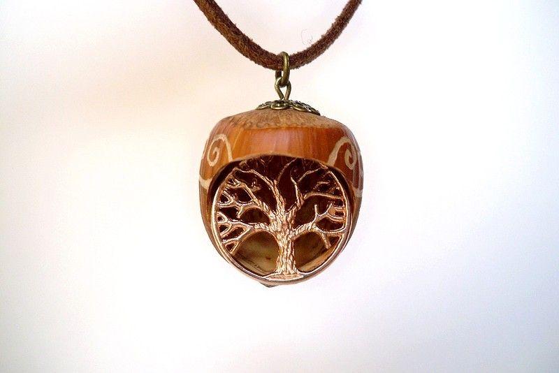 """Nusskette """"Lebensbaum"""" von Fey Factory  - einfach zauberhaft! auf DaWanda.com"""