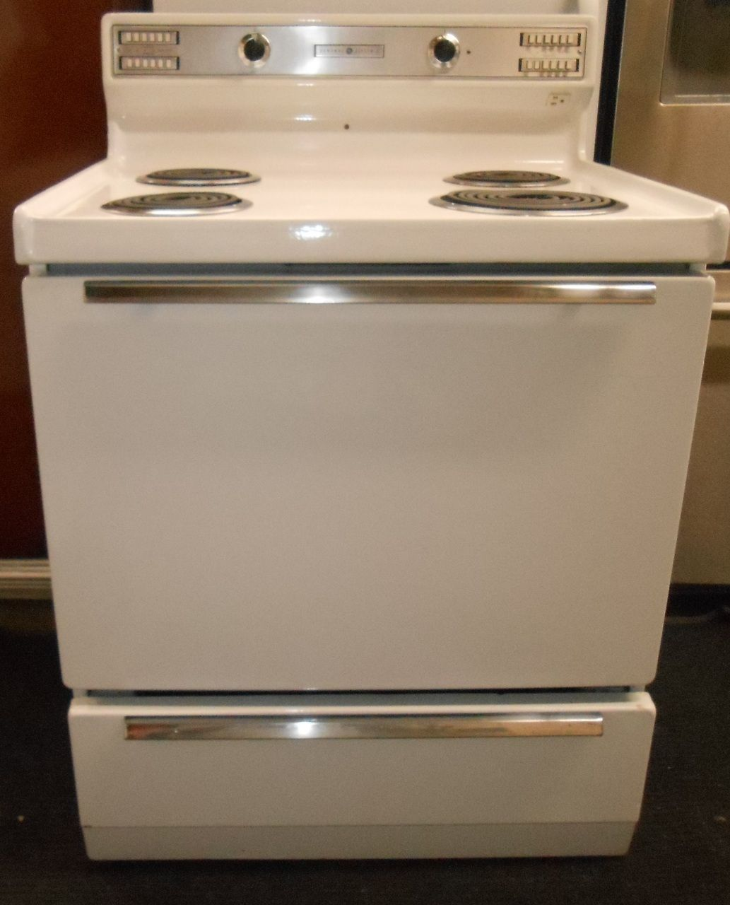 40 Inch Electric Range Part - 16: Appliance City - VINTAGE GE ELECTRIC RANGE 30 INCH COIL BURNERS 3 SMALL 1  LARGE PUSH