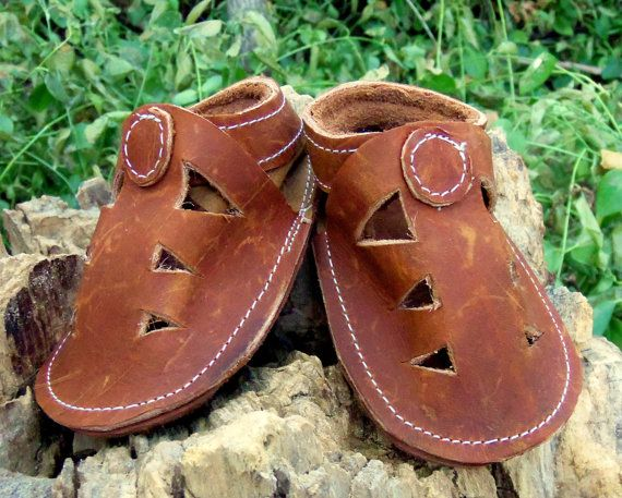 49e18a2a0ec3c Handmade Leather Sandals Soft Sole Toddler Shoes    6-12 Months Ready to  Ship