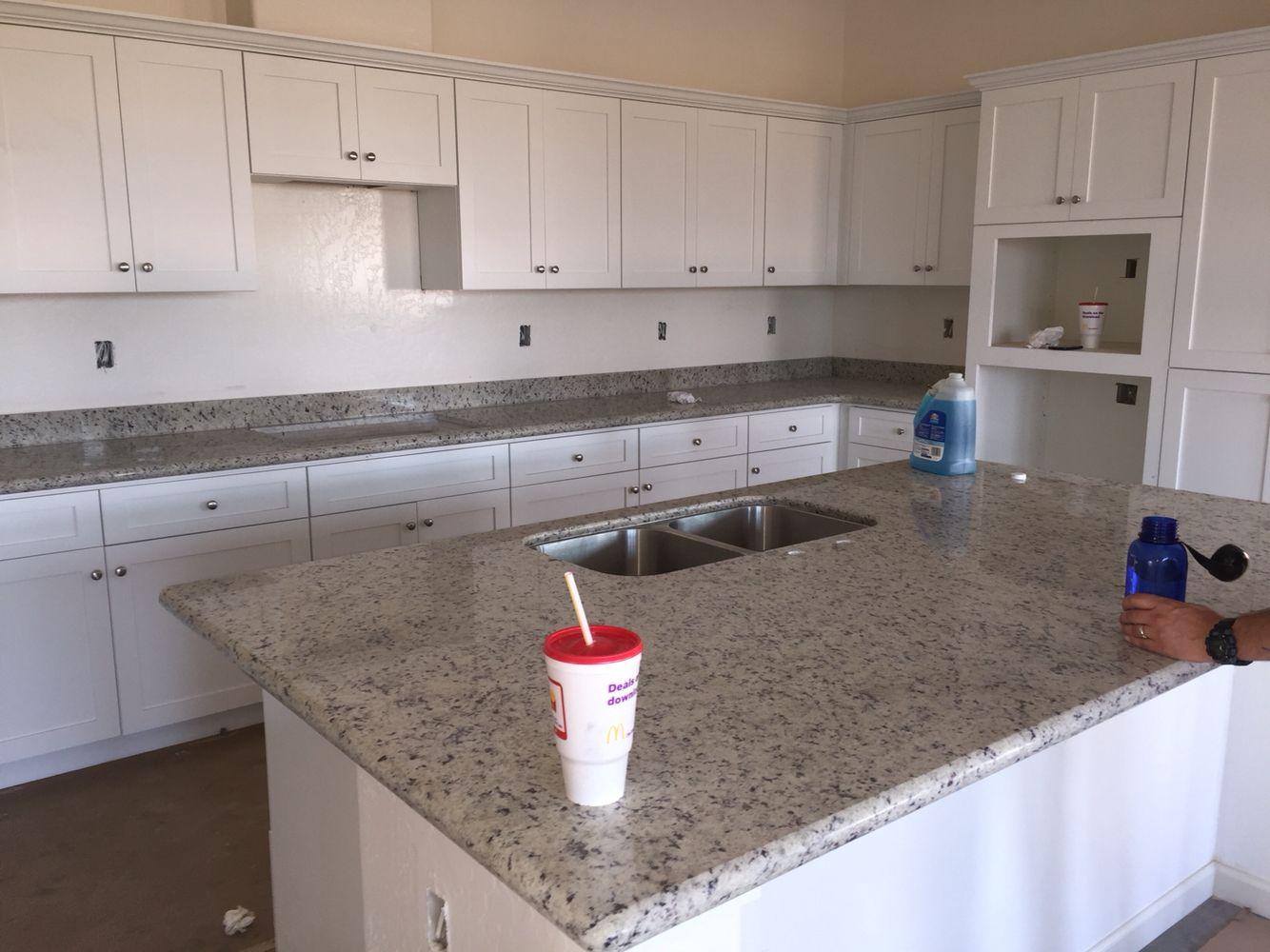 White Dallas Granite White Shaker Cabinets Kitchen Bonadelle