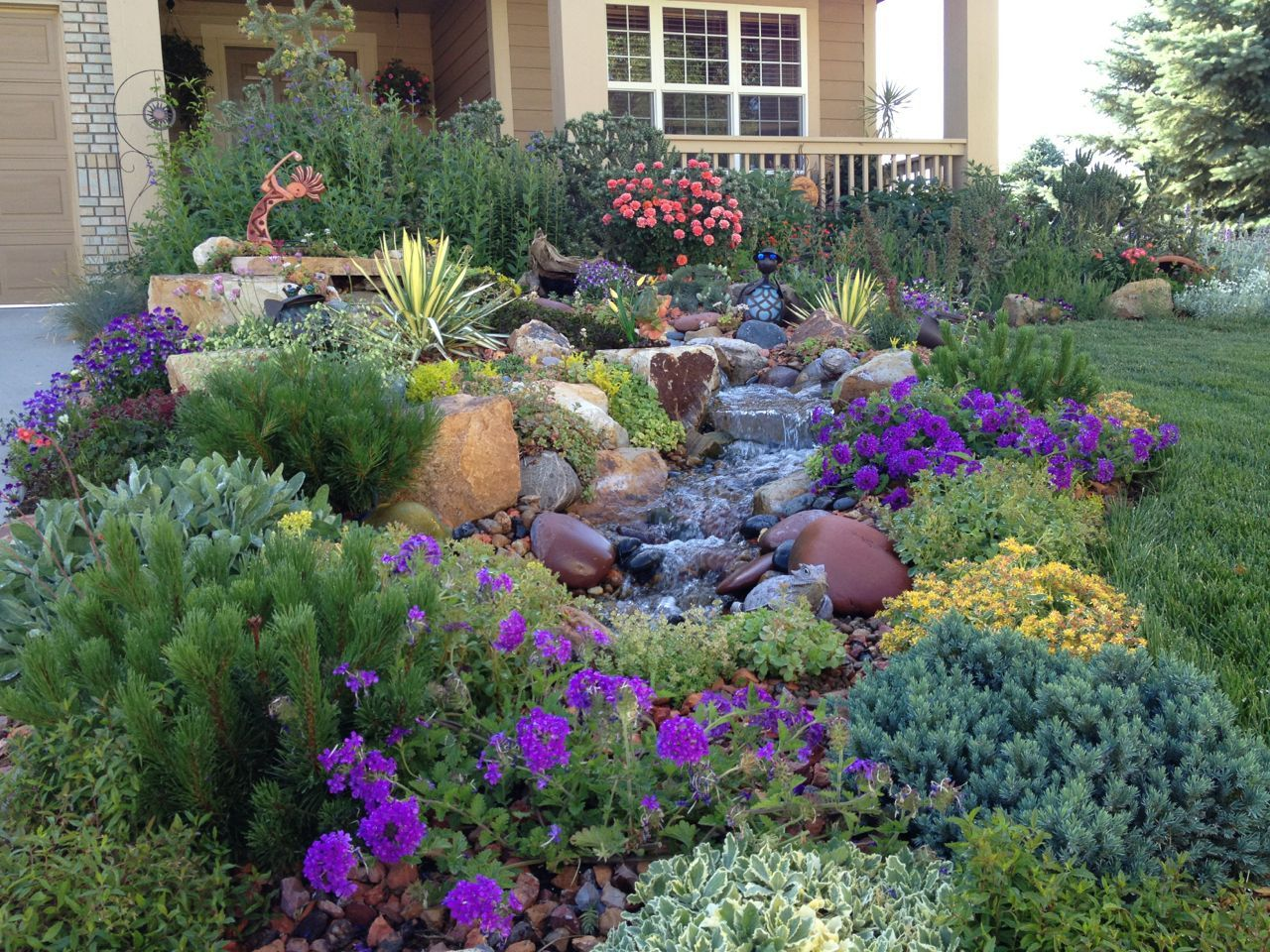 Texas xeriscaping ideas an exuberant border that for Front yard landscaping plants