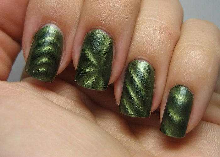 Electric Emerald Sally Hansen Magnetic Nail Polish | nail designs ...