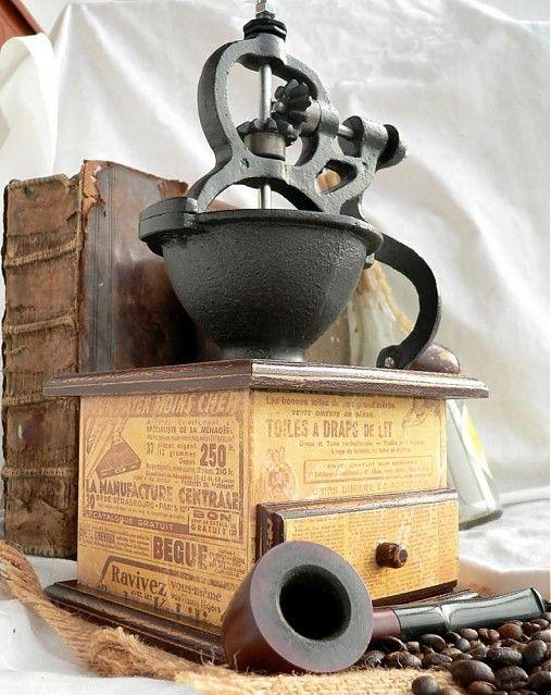 elizabetha / vintage coffee grinder