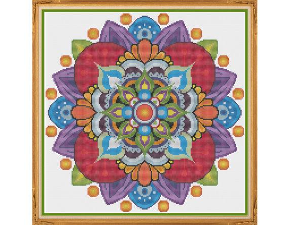 Mandala 1 - visualizar - patrón de punto de cruz contado (X-Stitch PDF)  Gracias por visitar mi tienda. Este patrón de punto de Cruz fue diseñada personalmente y con amor por mí!  ¿Es el punto de Cruz donde se encuentra tu zen? Este patrón hermoso pero fácil se basa en mandalas budistas clásicos. Encontrar patrones geométricos que más agradable de la puntada y diseño, especialmente cuando incluyen un montón de colores del arco iris.  Este patrón está disponible para descarga inmediata! A…