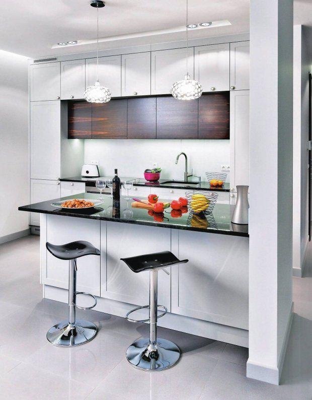 Dwa rzędy szafek górnych znacznie zwiększają liczbę   -> Kuchnia Zabudowana Do Sufitu