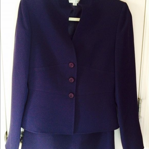 Tahari 2 piece purple skirt set Excellent condition. Beautiful purple skirt set. Tahari Skirts Skirt Sets