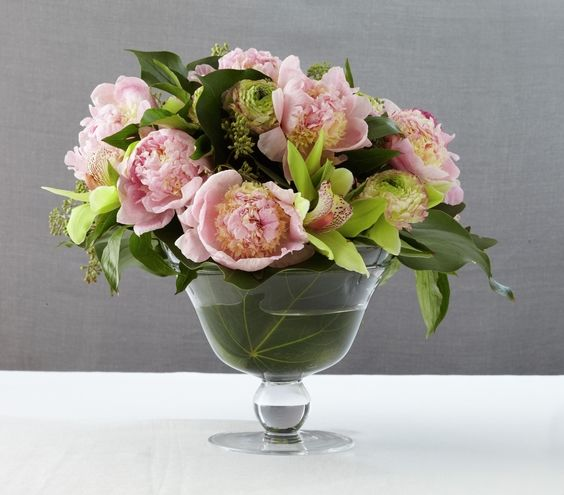 Still searching for the right centerpieces? These elegant floral