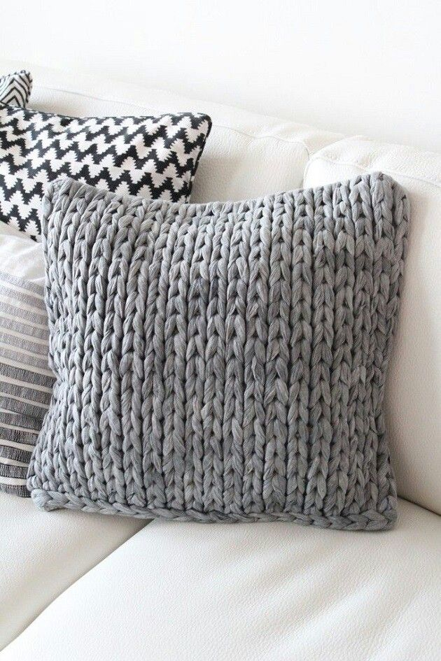 Cojines de lana y telas oto o invierno hogar pinterest pillows chunky blanket and crochet - Cojines de lana ...