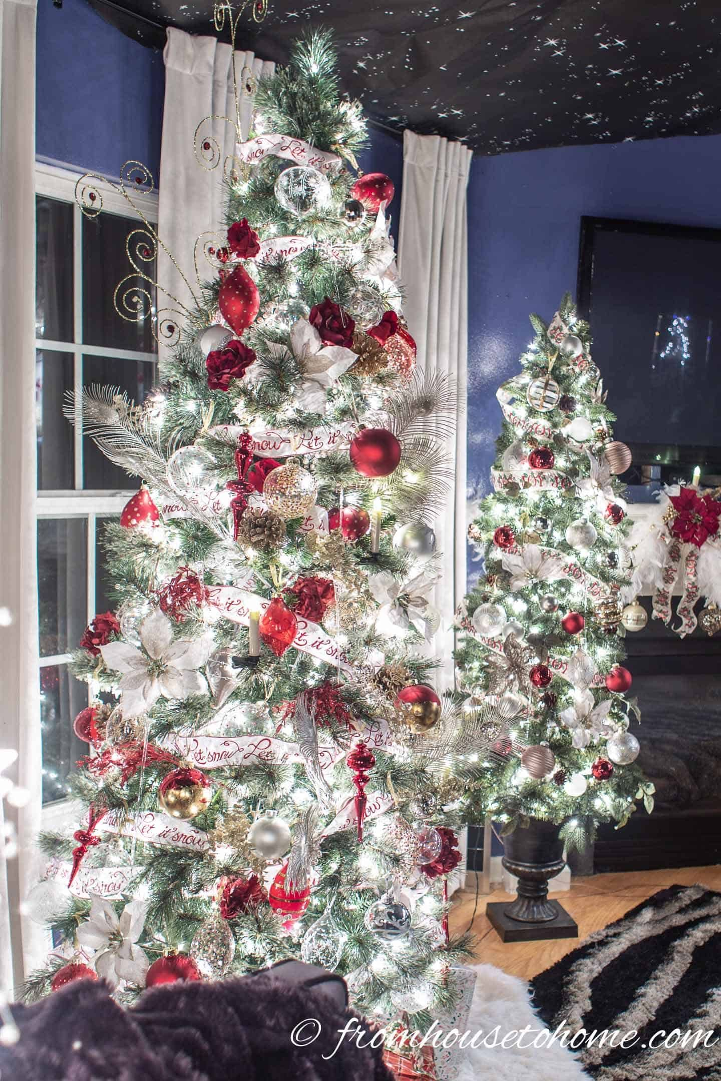 White Red And Gold Christmas Home Decor Ideas And 30 Other Christmas Decorating Ideas White Christmas Trees Glam Christmas Decor Holiday Decor