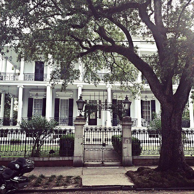 The 21 creepiest haunted houses in america american for Americas home place prices