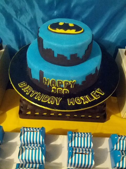 Awesome Cake At A Batman Birthday See More Party Ideas At