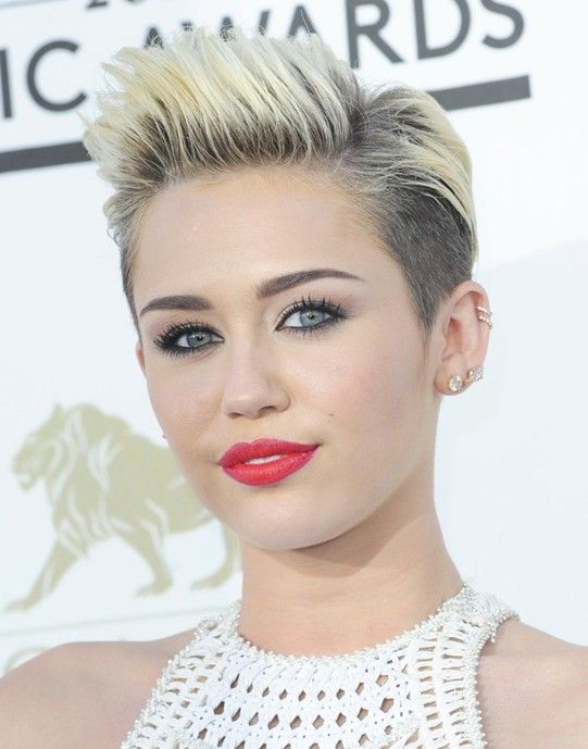Miley Cyrus Hairstyle 2014 Cool And Stylish Short Haircut For Women Frisuren Frisuren 2014 Frisuren Kurz