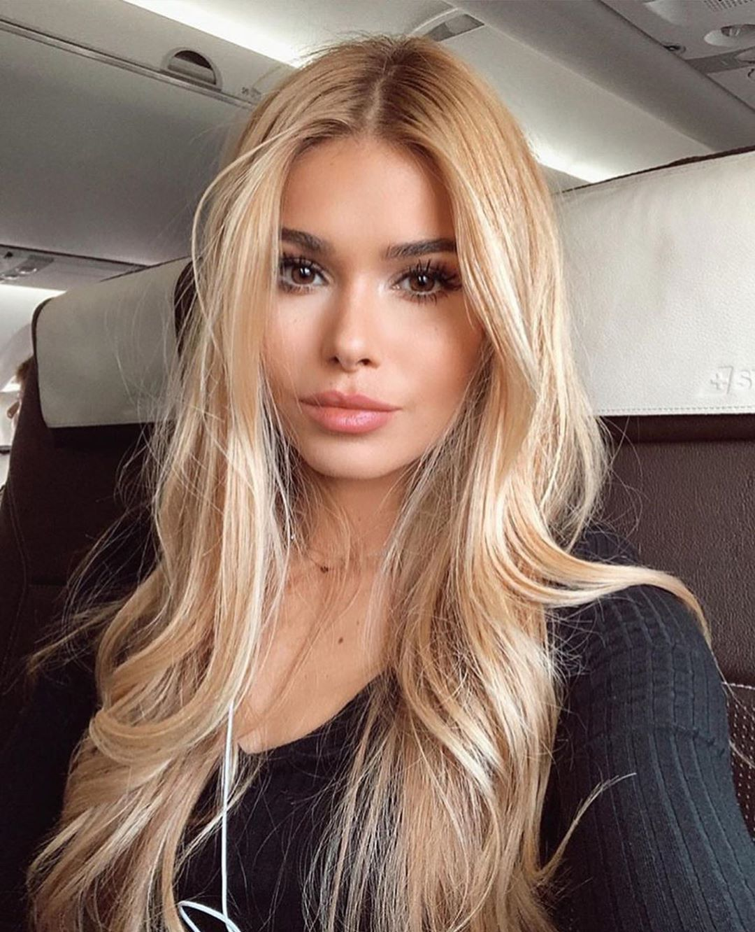 30 Blonde Hairstyles For Girls To Copy In 2020 Spring Ibaz In 2020 Hair Styles Long Hair Styles Front Lace Wigs Human Hair