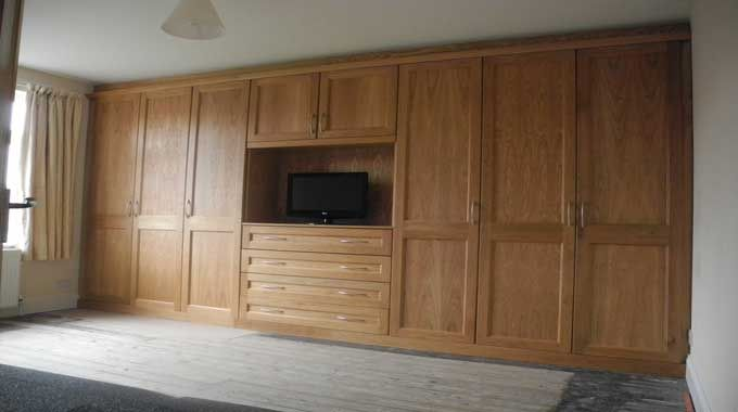 Solid Wood Wardrobes Solid Oak Bedroom Furniture Solid Wood Wardrobes Wooden Bedroom Furniture