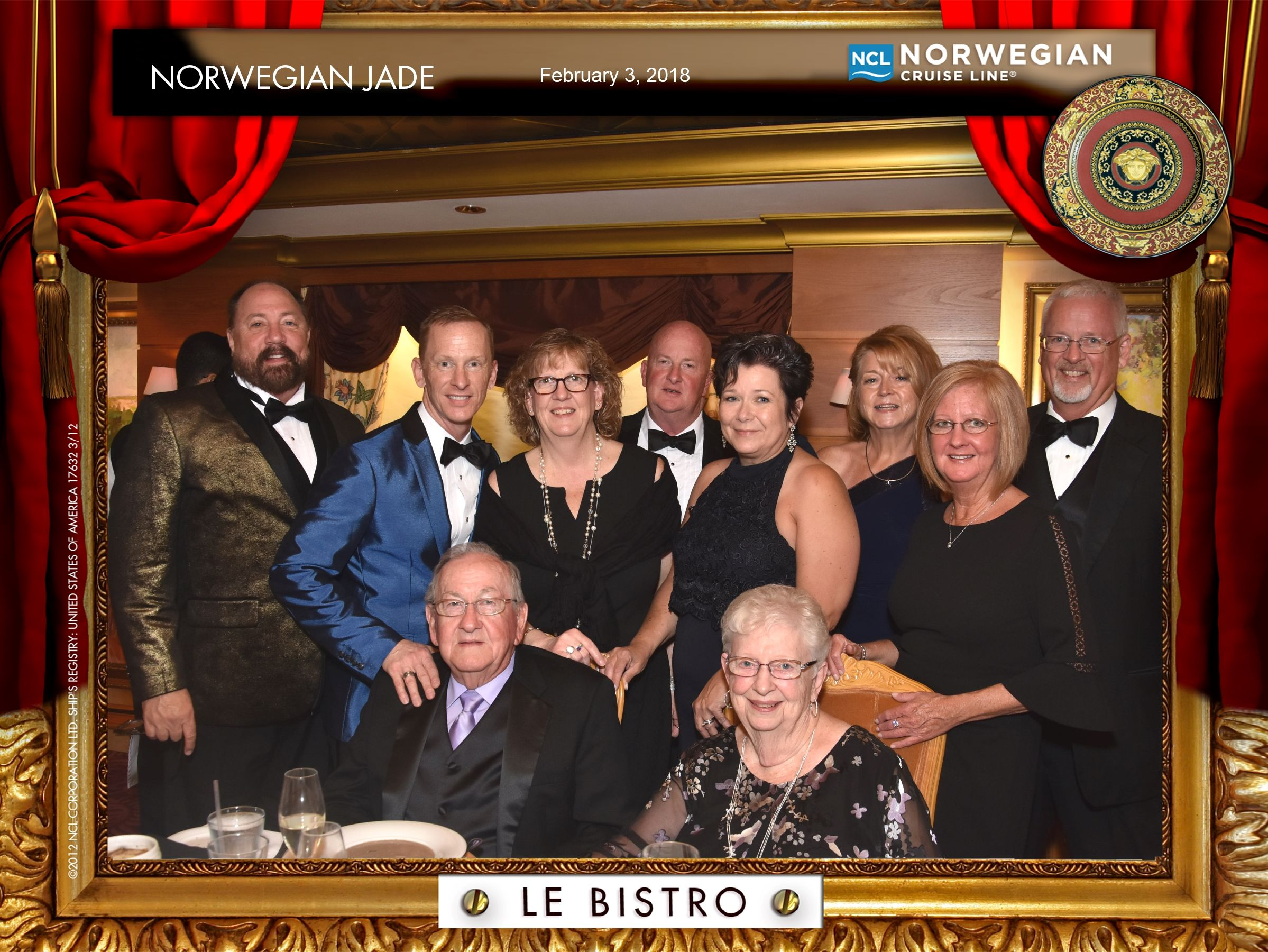 Family Pictures On The Cruise Is Always Fun To Dress Up For Cruise Pictures Norwegian Jade Cruise