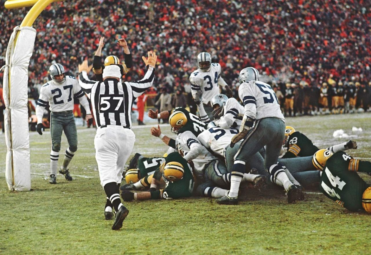 It Was Minus 15 Degrees At Kickoff With The Wind Chill At Lambeau Field Averaging Minus 45 During The Nfl Championship Game Nfl Green Bay Packers Fans Packers