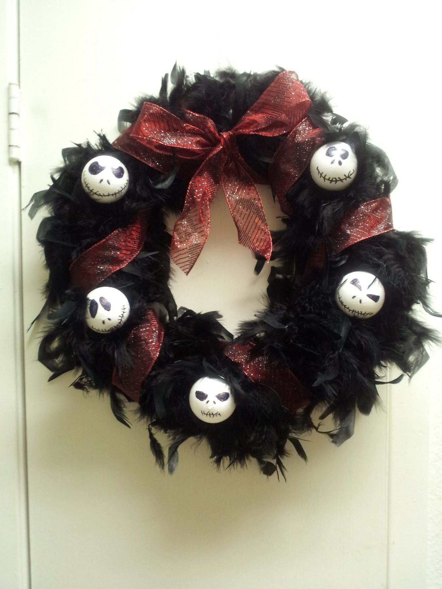 Nightmare Before Christmas wreath- took less than 30 minutes to make ...