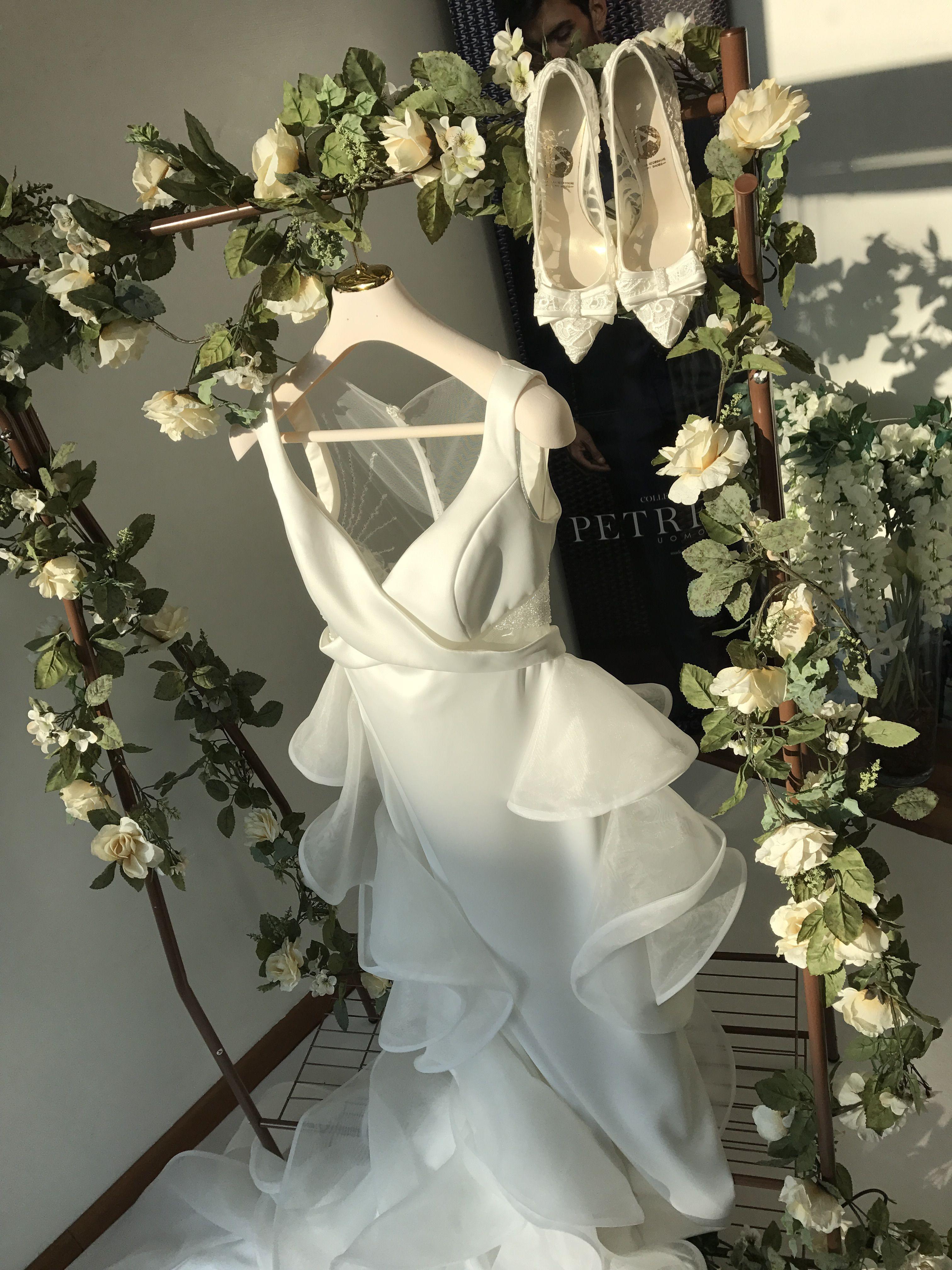 Vetrina Abiti Da Sposa Atelier L Eleganza In Bianco Scenografiediserena Solocosebelle Abiti Da Sposa Abiti Sposa