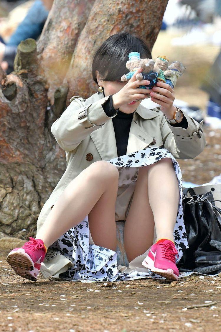 しゃがみパンチラフェチ21 [無断転載禁止]©bbspink.comYouTube動画>3本 ->画像>422枚