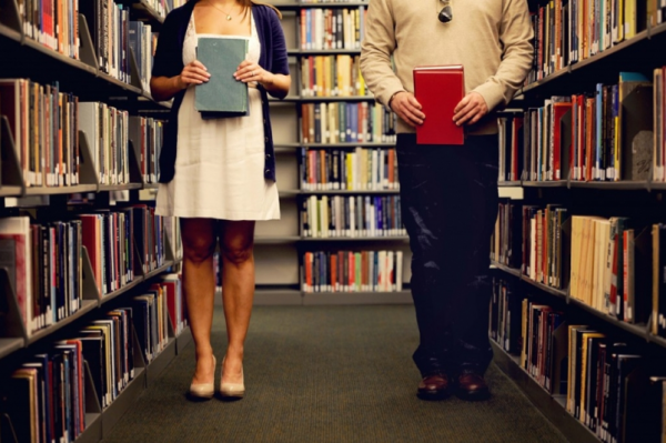 Adorable engagement photos in a library :) cc/ @Random House of Canada