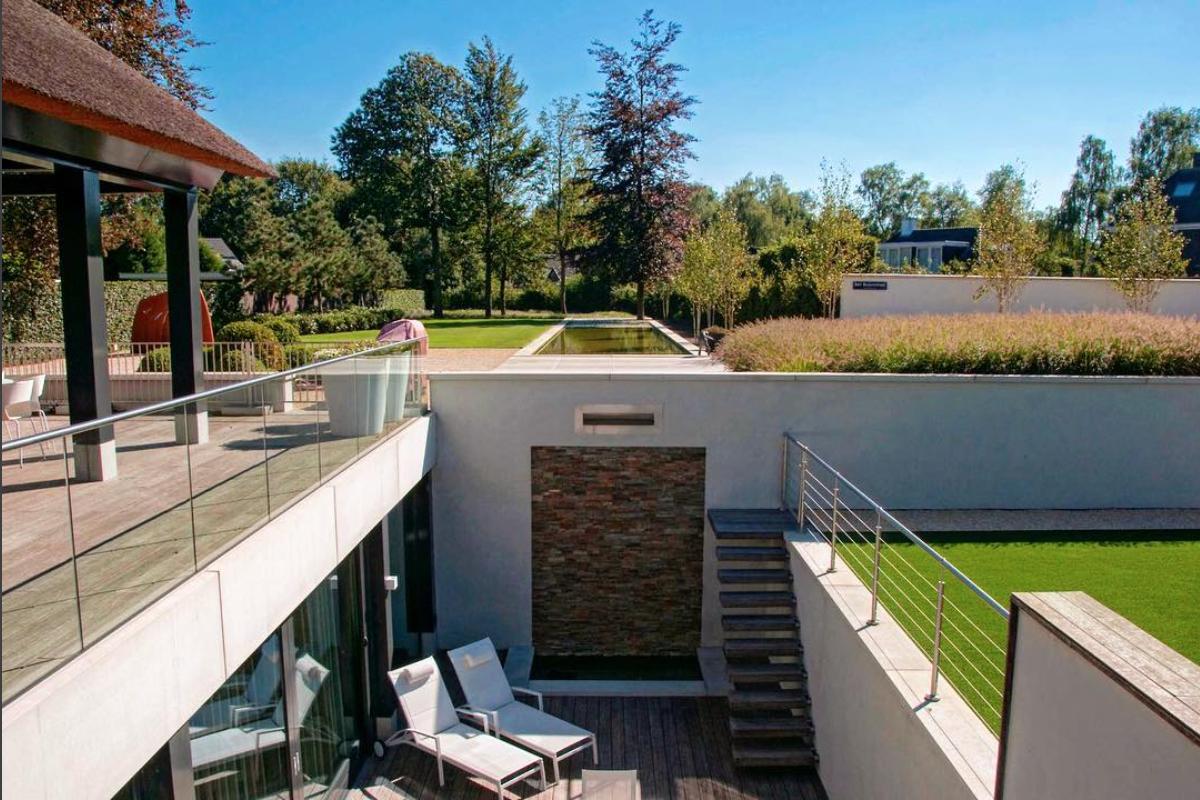 Moderne tuin op niveaus ttbsmeulders modern natuursteenstrips
