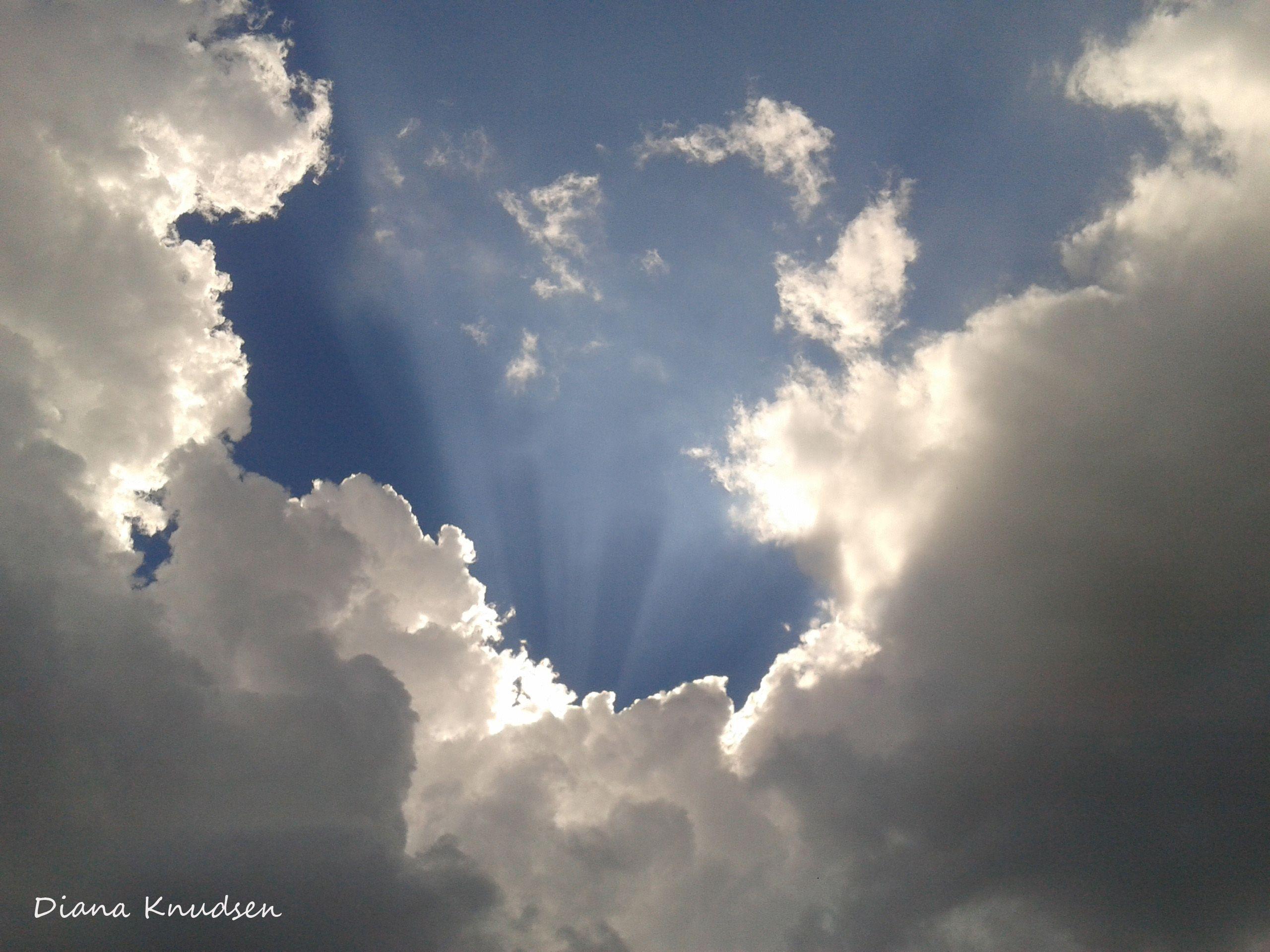 Rayos De Sol A Través De Las Nubes Nubes Rayos De Sol Fotos