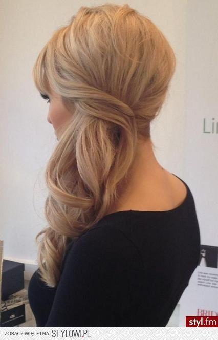 Stylowi Pl Odkrywaj Kolekcjonuj Inspiruj Cute Hair Ideas Bridesmaid Hair Hair Styles Y Hair