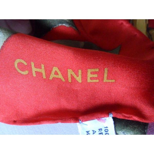 0685d674e1b5 CHANEL - Expert-Vintage Porter Foulards, Comment Porter Des Foulards, Foulard  Chanel,