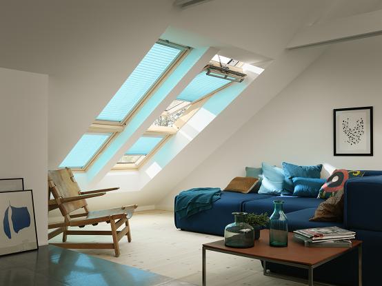 Wohnzimmer Rollos ~ Wohnzimmer mit velux dachfenstern und rollos velux pinterest