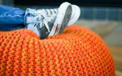 pouf fai da te: come realizzarli ed arredare con le pratiche sedute