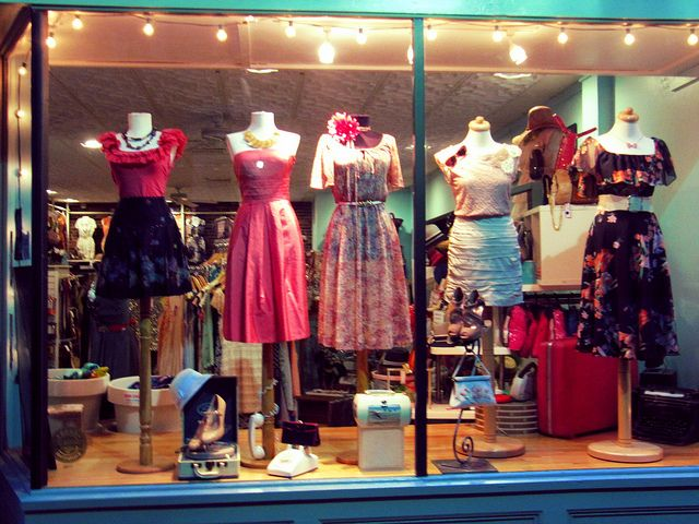 Modern Millie Vintage & Consignment   Vintage Fun   Small