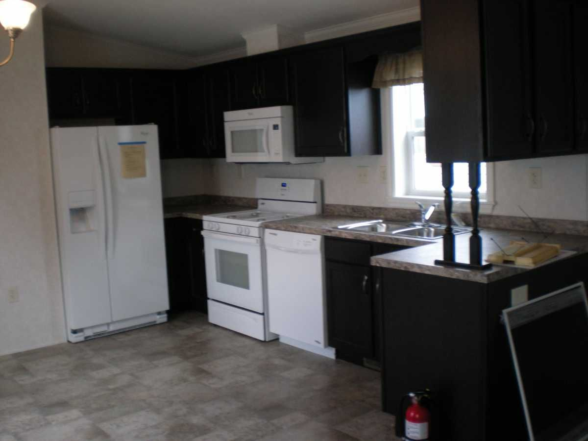Pine Grove Manufactured Home For Sale In Carteret Nj Manufactured Homes For Sale Mobile Homes For Sale Manufactured Home