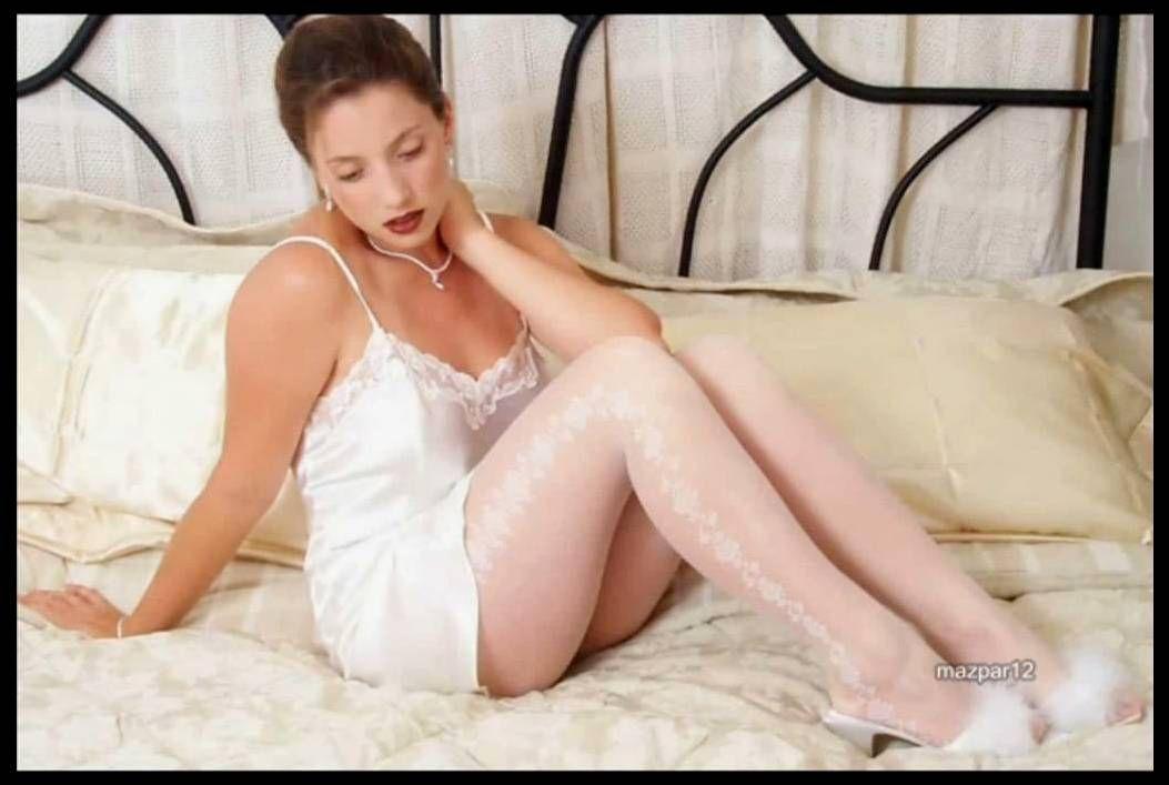 Adrianne amateur leg