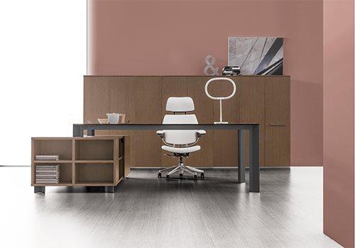 Furniture and Desks for Executive Offices - Della Valentina ...