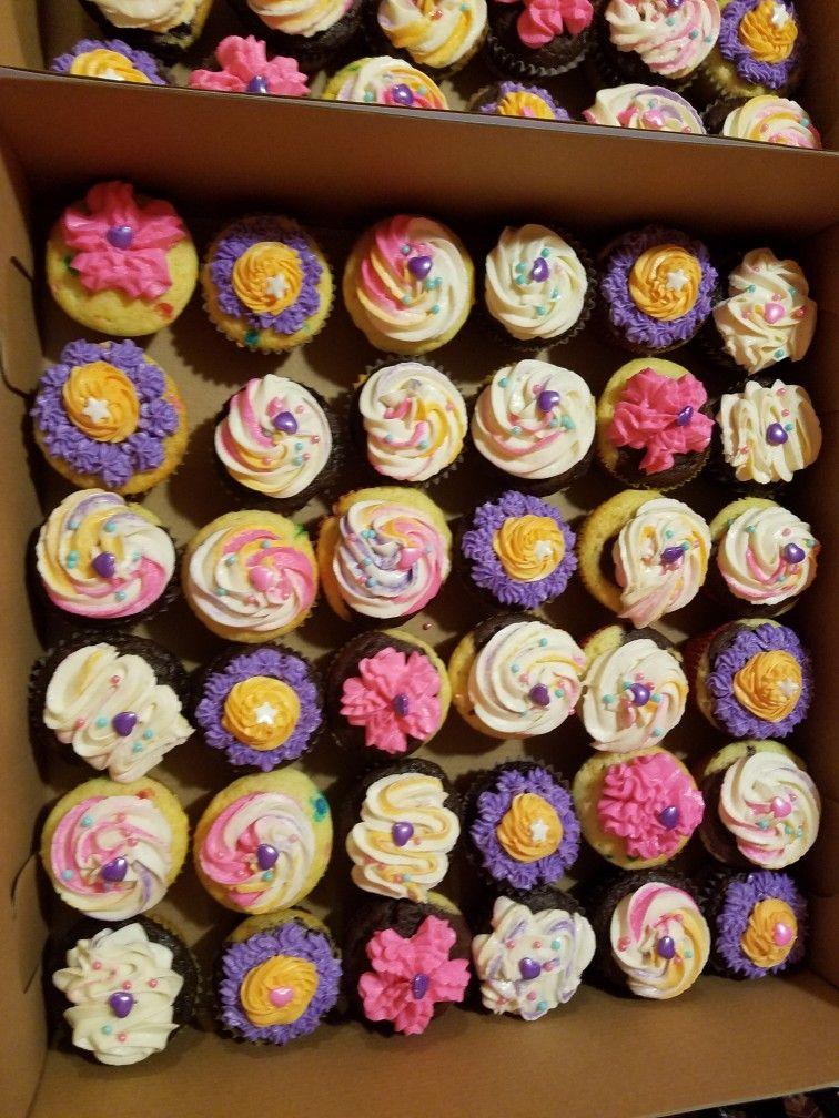 Pin by patty lugo on cakes pattys cakes mini cupcakes