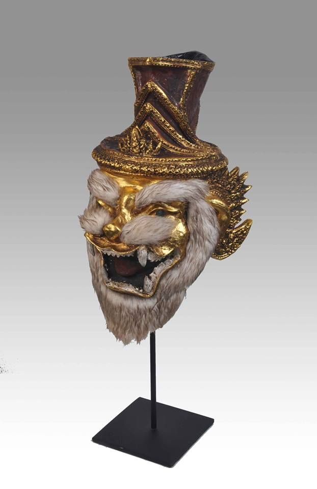 Recent but superb thai hermit mask with head of tiger for Traditionelles thai haus
