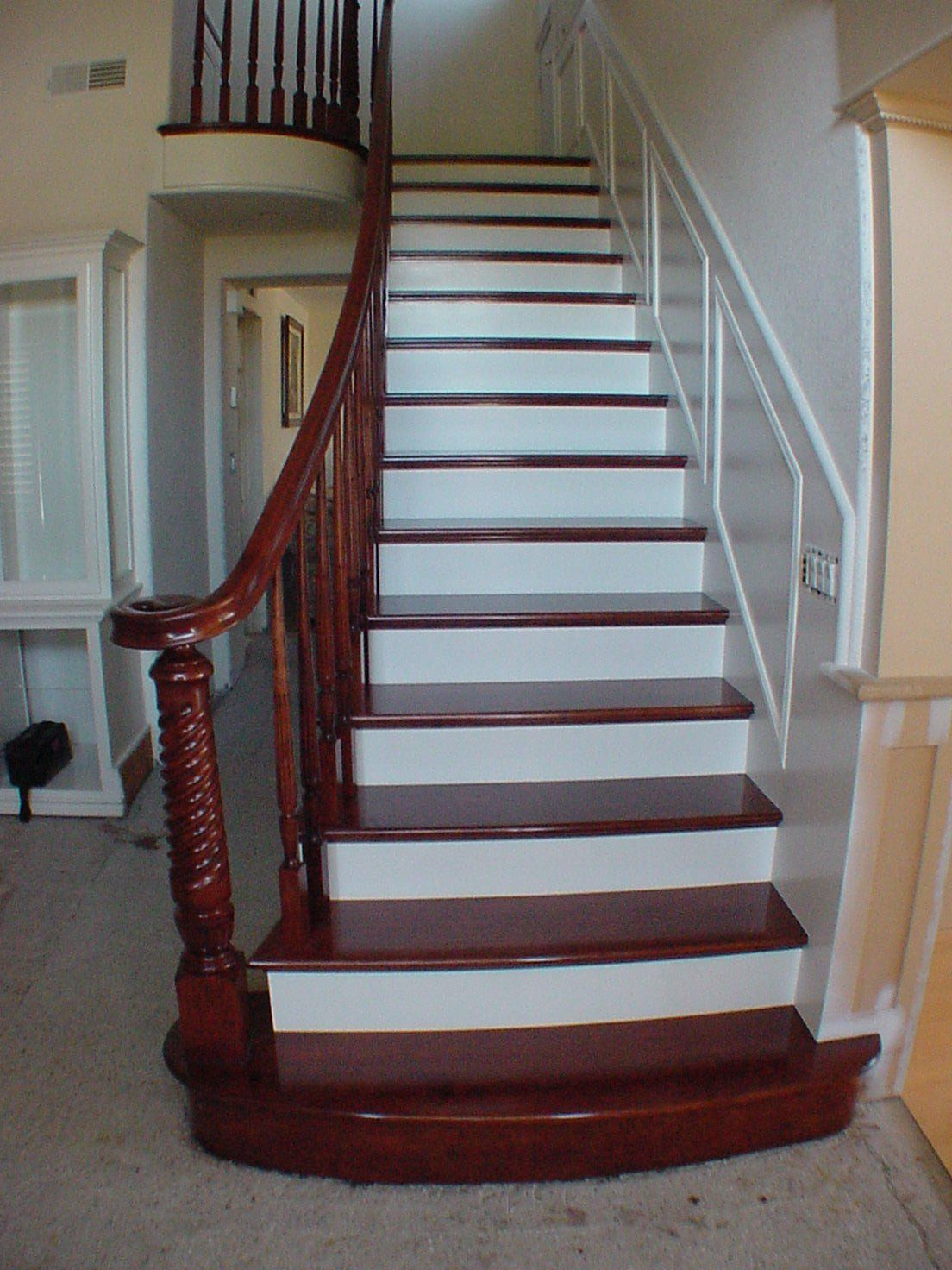Best The Knot Your Personal Wedding Planner Wooden Stairs Stairs Refurbishment White Stair Risers 400 x 300