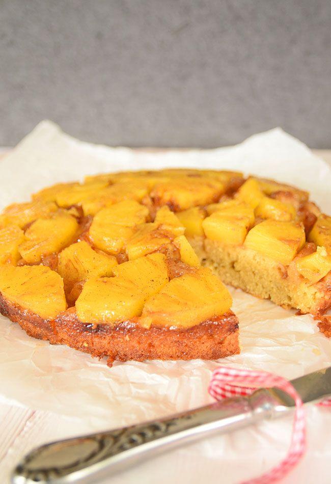 Ananasowe ciasto upside down - http://www.mniammniam.com/Ananasowe_ciasto_do_gory_nogami__z_nuta_cynamonu_i_wanilii-20550p.html